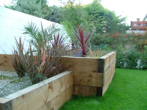 small-garden-raised planter beds