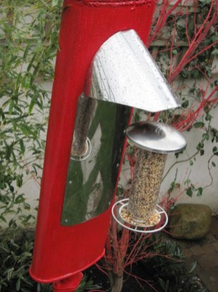 red exhaust pipe bird feeder (16)