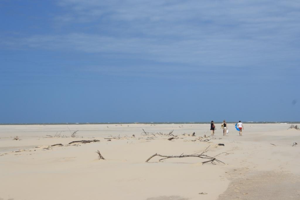 caminant per la platja al Delta de Parnaíba
