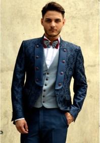 Traje-de-novio-azul-brocado-cuello-mao-solapa-botones-500x717
