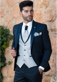 traje-de-novio-azul-marino-roberto-vicentti-500x717