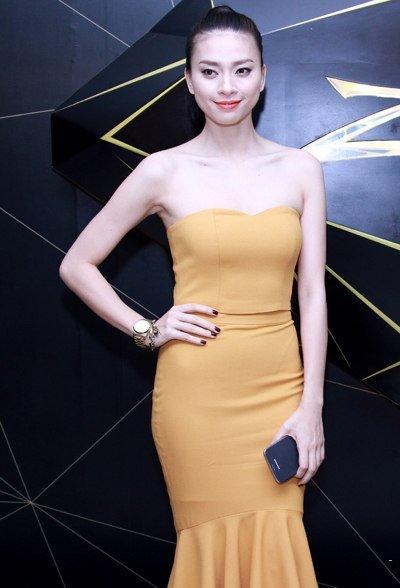 5 chiêu mix đồng hồ đeo tay siêu đẹp của sao Việt