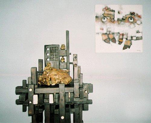 """Escultura de """"Susana"""" y cuadro """"Rostros"""", acrílico sobre tela"""