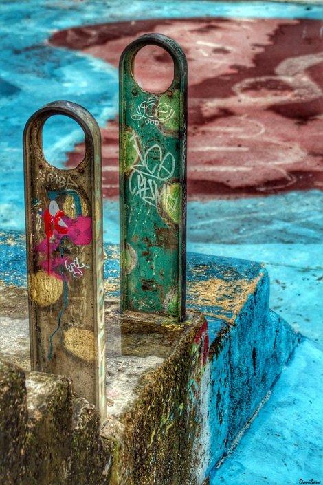 """A veces una va buscando hacer fotografías de skaters y se encuentra solo con la pista de skate y entonces esta se convierte en """"la modelo"""".  En la playa de Arrigunaga en Getxo, Bizkaia, by Donibane ;-)"""