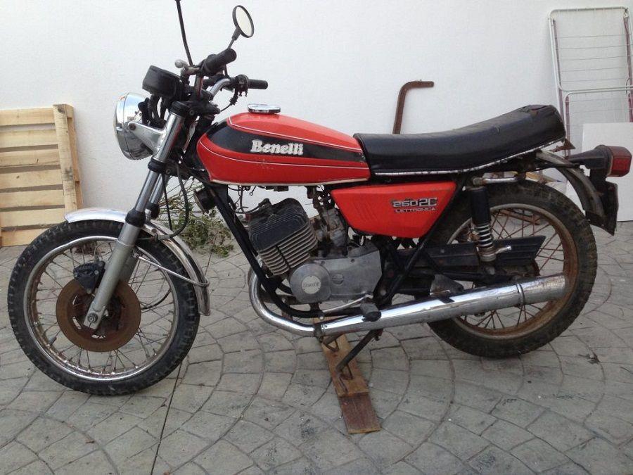 Restauración Benelli 250 2C