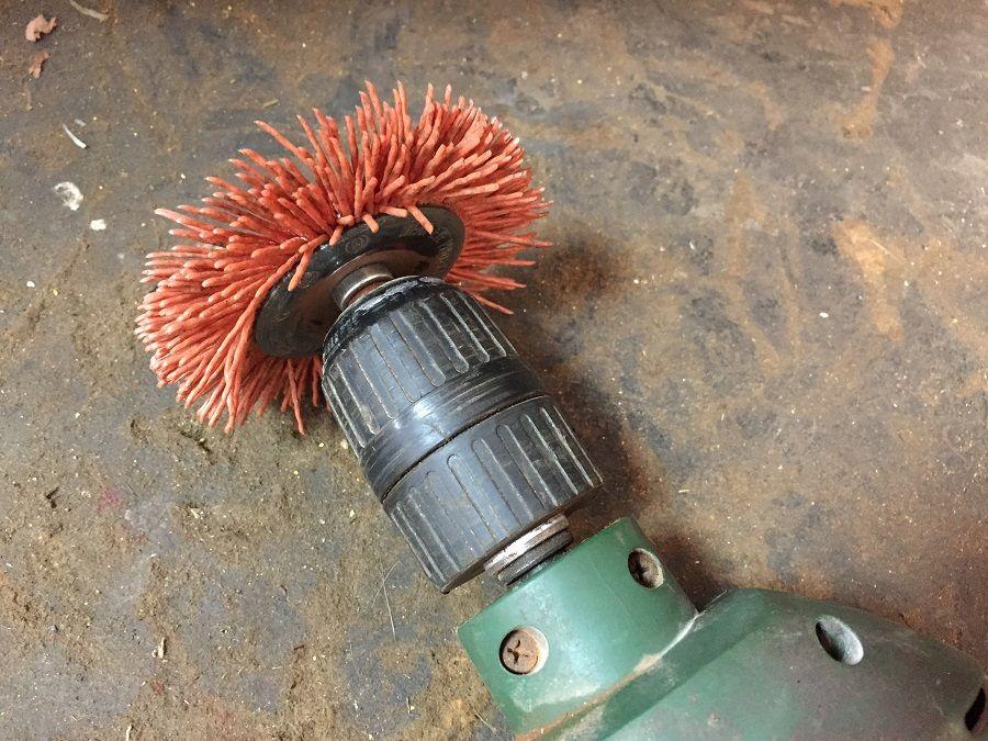 Cepillo de nylon naranja para decapar