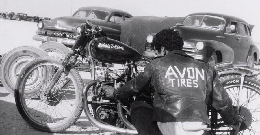 Asegurar moto clásica