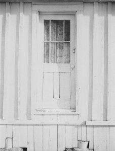 81003 Doorway, CA 1981