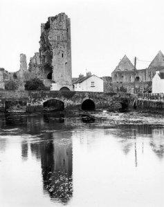 96217 Desmond Castle, Askeaton, IRE 1996