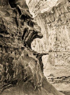 2012053DF Crack Canyon, Utah 2012