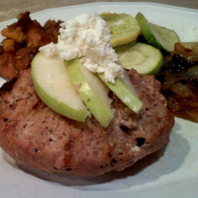 Cooking Turkey Burgers – Grilled with Apples and Goat Cheese