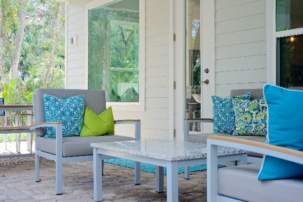 A Joyful Home is a Happy Home/Outdoor Living