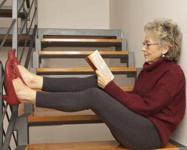donna lettura libro relax