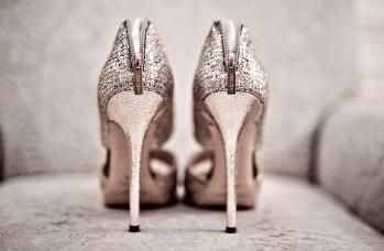 wedding-photography-must-have-photos-bridal-heels-jimmy-choo.original