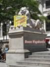 Statua del Leone bianco, sulla 5th Avenue