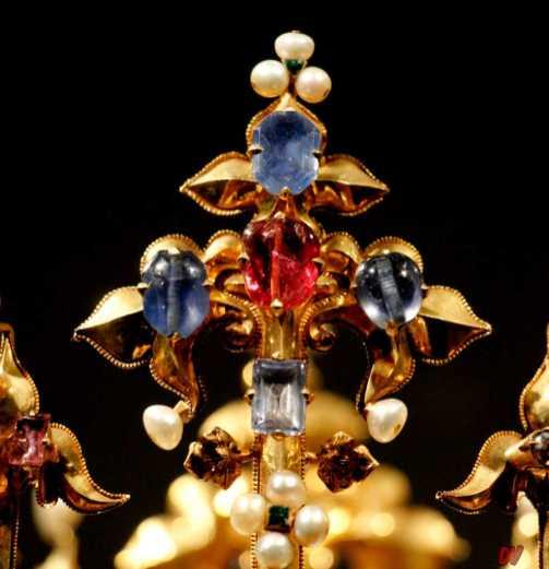 Particolare della Corona.