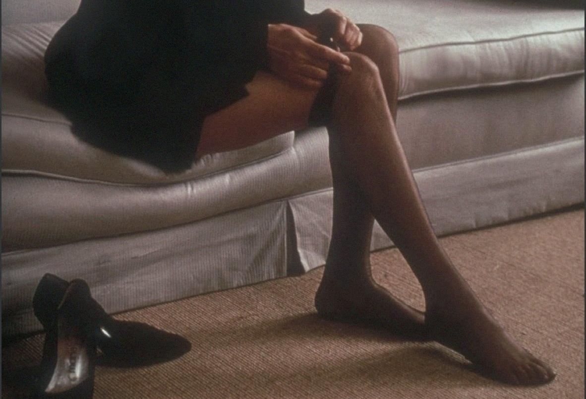 Jennifer Connelly si sfila i collant neri