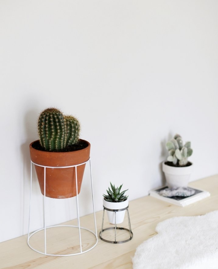 36+ DIY Plant Stand Ideas for Indoor and Outdoor Decoration on Plant Stand Ideas  id=73961