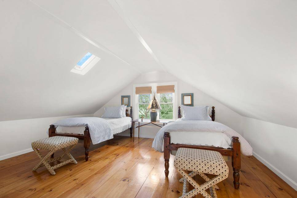 35+ Clever Use Of Attic Room Design Ideas Part 63