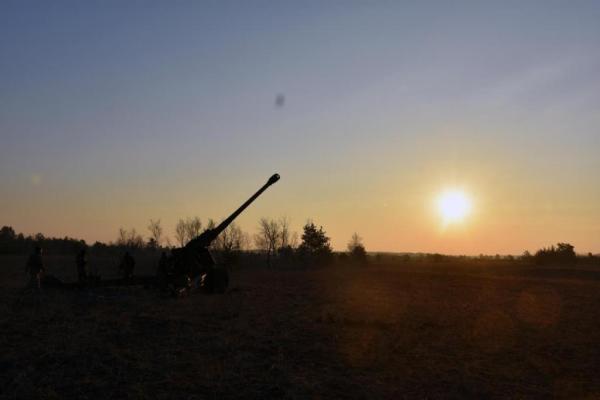 «Будут отрезать Углегорск и Дебальцево»: Безлер ...