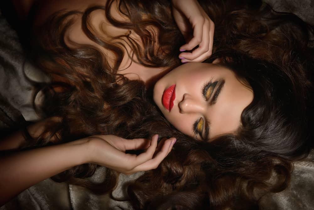 Cherie Falco : Kinky Curly Straight