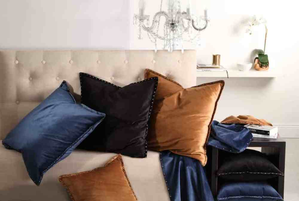 Luxurious Winter Bedroom Ideas With Suede, Velvet and Faux Fur