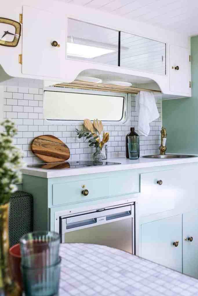 Caravan Renovation 'How-To' from The Block Alumni - Don't ... on Small:xmqi70Klvwi= Kitchen Renovation Ideas  id=57357