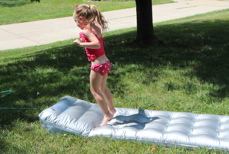 Make a water blob - easy, fun water play activity!