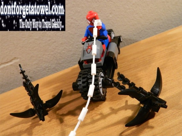 LEGO Spider-Man Spider-Cycle Chase 03