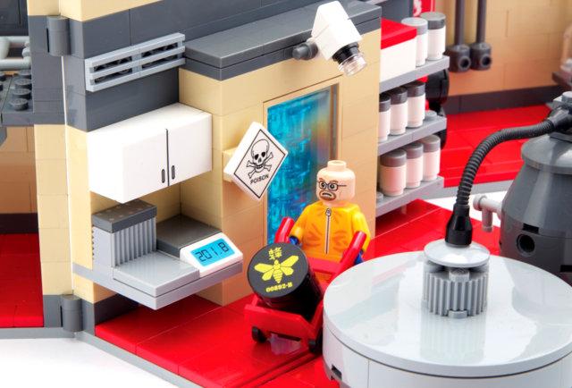 Breaking Bad Lego Meth lab 1