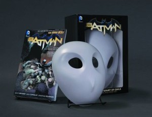 Batman Court of Owls GN and Mask