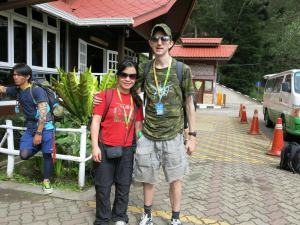 how much does it cost to book hiking up mount kinabalu