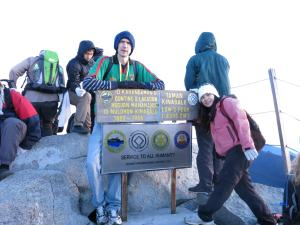 Jonny Blair and Panny Yu at the peak of Mount Kinabalu in Borneo