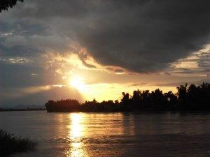sunset in don det laos