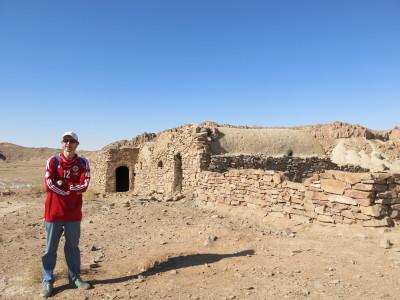 Remains of buildings at Khalate Talkh