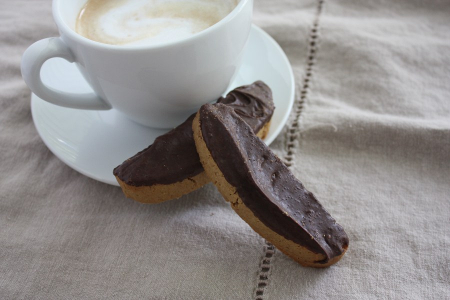 Espresso Biscotti - Espresso, dark chocolate dipped biscotti! Need I say more?