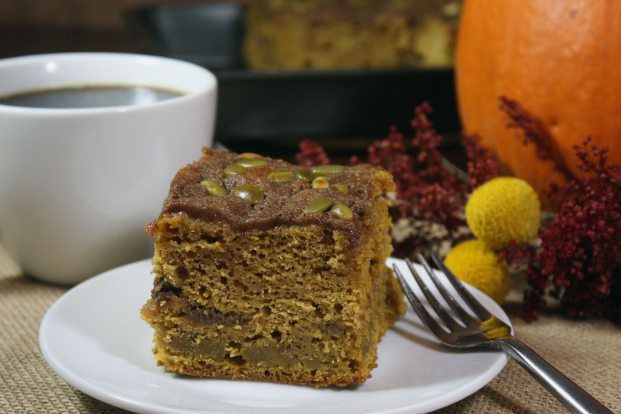 Pumpkin Coffee Cake - Super moist and full of Fall flavors. Perfect with a warm cup of coffee!