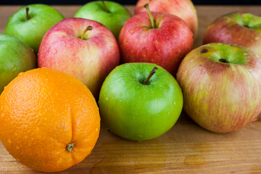washed green red apples oranges