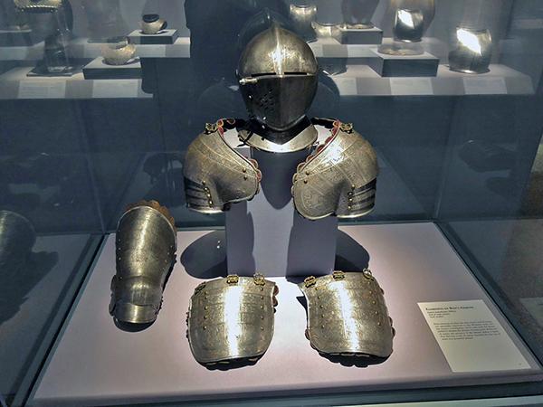 08 boys suit of armor