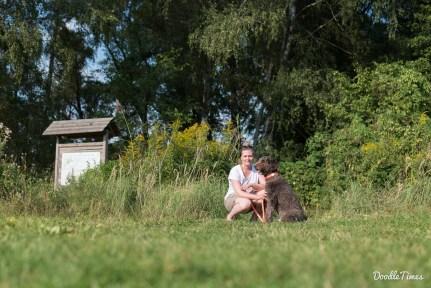 Der einzige Hinweis auf den Hundestrand ist das Naturschutzgebiet-Schild.