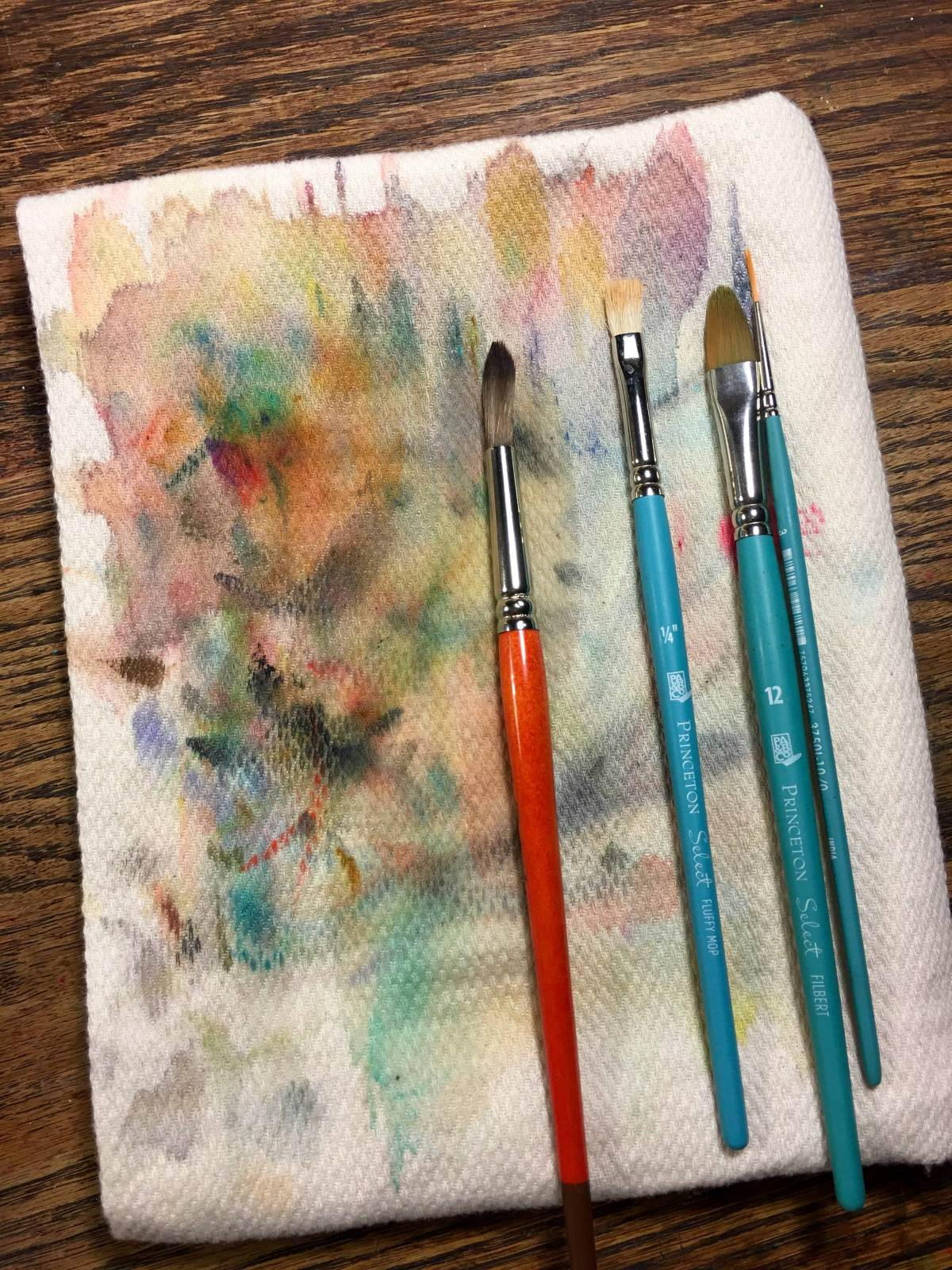Cloth diaper used for watercolor brush wipe
