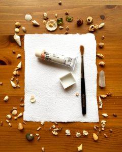 Holbein watercolor shell pink, sea shells and da vinci travel watercolor brush