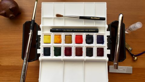 Portable Painter is a hands free travel palette