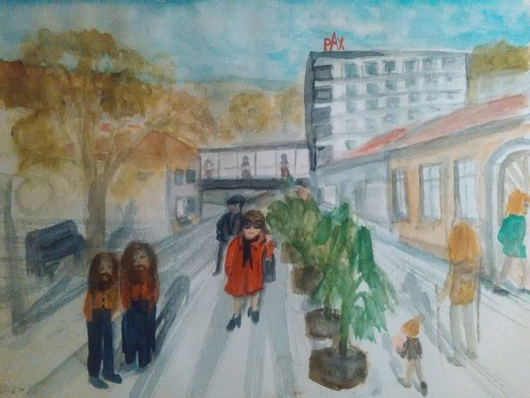 I spent four days in the spa town of Trencianske Teplice. I painted sketch. I'm in a red coat.