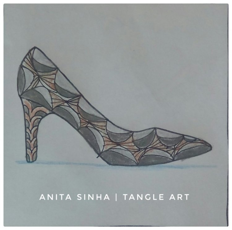 I have used #counterpoint ( Day 9) & #divi ( Day 10) tangle patterns in this high heel shoe desi