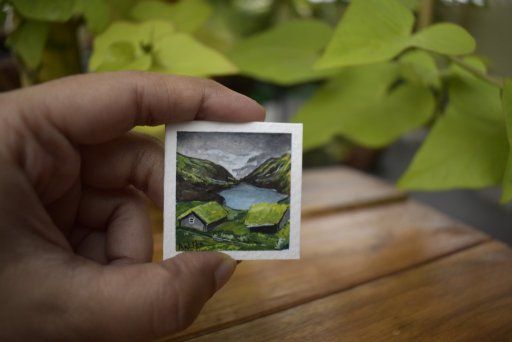 Miniature painting done with gouache water color paints. Size is 4cm by 4cm including the border. IM