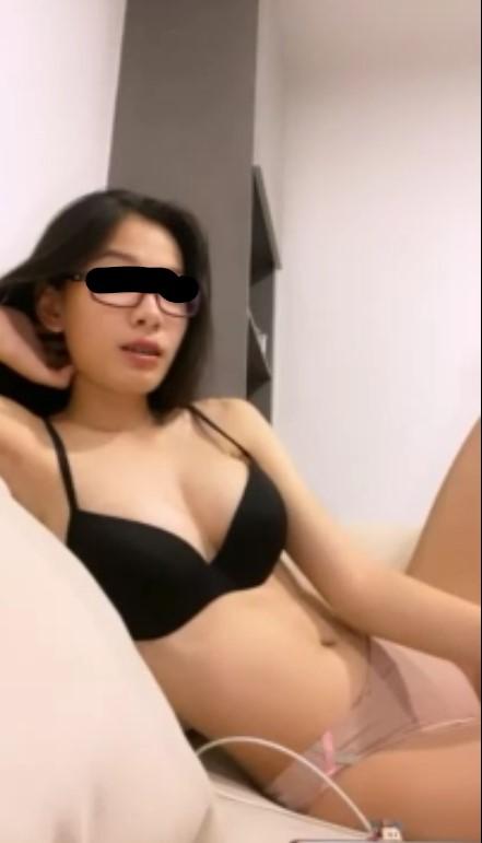 คลิปหลุด M live น้องแว่นสาวไทย อาบน้ำหุ่นสวยมาก น่าเย็ดสุดๆ เน็ตไอดอล