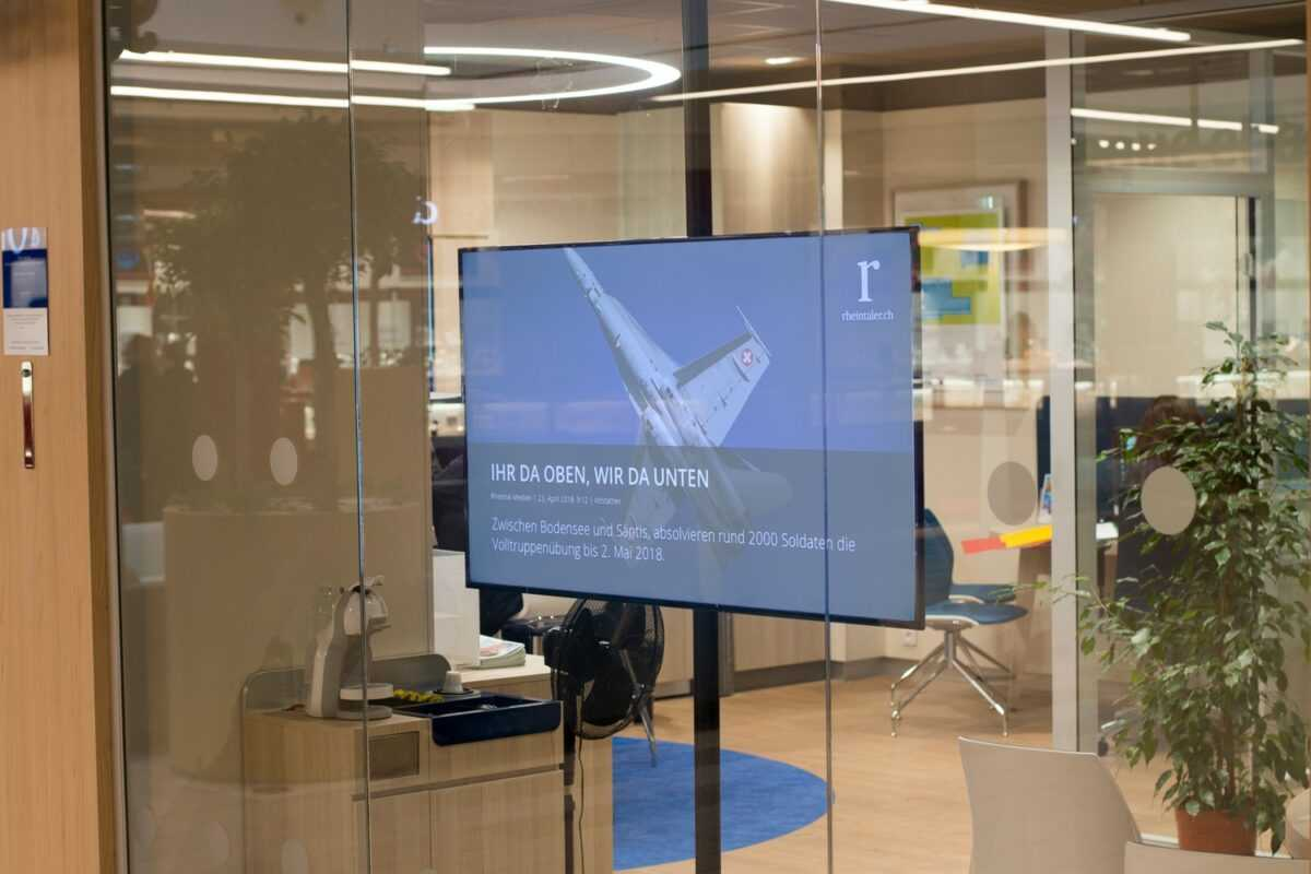 Digitale Infotafel Rheintal Medien praktisches Beispiel