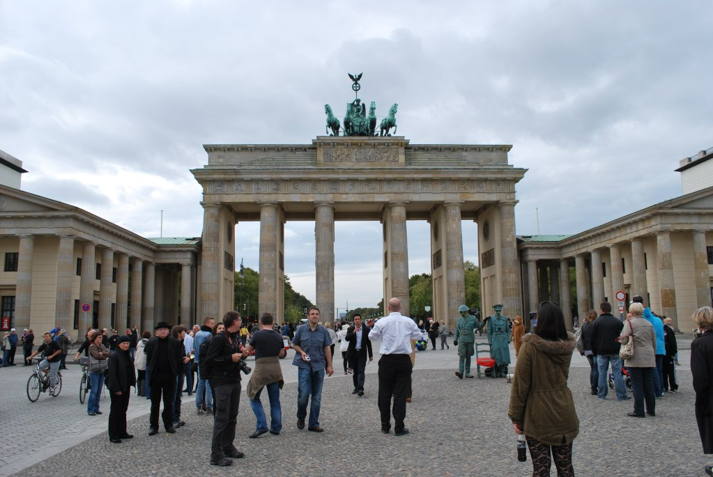 Berlin Mitte Walking Tour Wall, Brandenburg Gate, Reichstag