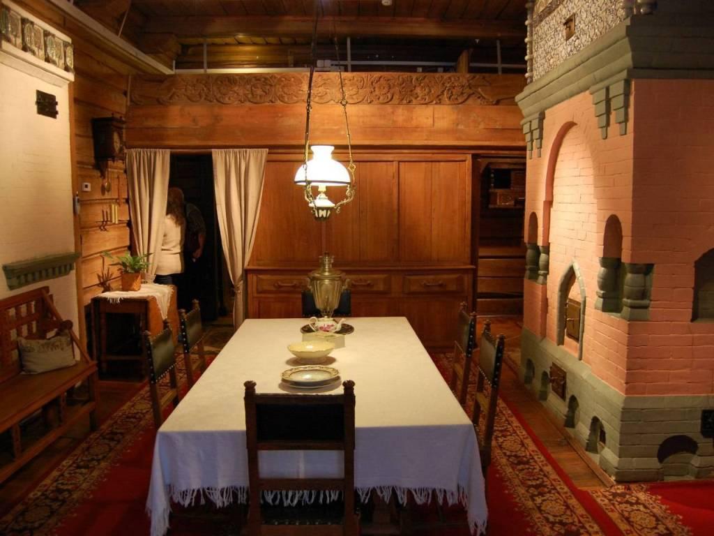 Victor Vasnetsov House Museum Inside